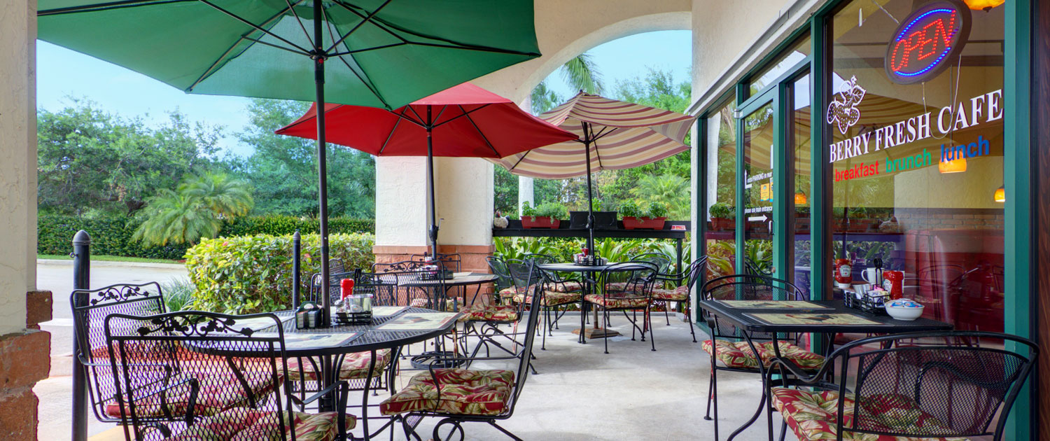 Berry Fresh Cafe Outdoor Seating